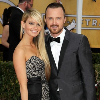 Lauren Parsekian, Aaron Paul in 19th Annual Screen Actors Guild Awards - Arrivals