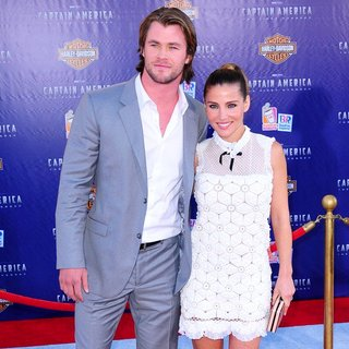 Chris Hemsworth, Elsa Pataky in Los Angeles Premiere of Captain America The First Avenger - Arrivals