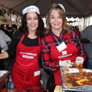 2015 Los Angeles Mission Thanksgiving Meal for The Homeless