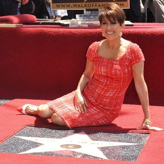 Patricia Heaton Is Honored with A Hollywood Walk of Fame Star - patricia-heaton-walk-of-fame-03