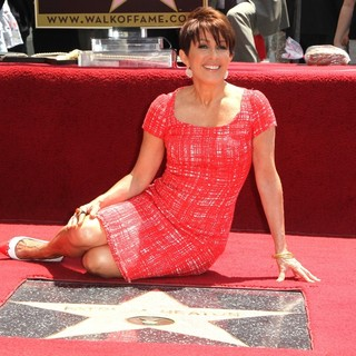 Patricia Heaton Is Honored with A Hollywood Walk of Fame Star - patricia-heaton-walk-of-fame-04