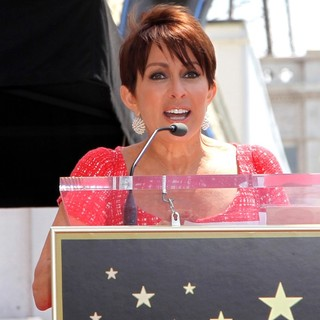 Patricia Heaton Is Honored with A Hollywood Walk of Fame Star - patricia-heaton-walk-of-fame-06