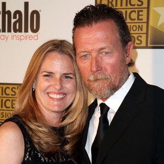 Barbara Patrick, Robert Patrick in 2012 Critics' Choice TV Awards - Arrivals