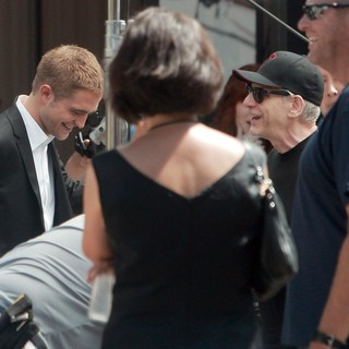 Robert Pattinson, David Cronenberg in On Set of David Cronenberg's Film Maps to the Stars