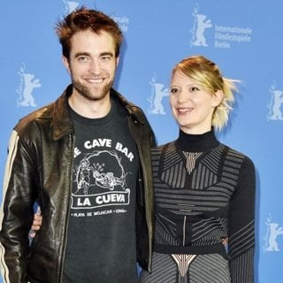 Robert Pattinson, Mia Wasikowska in 68th International Berlin Film Festival - Damsel - Photocall