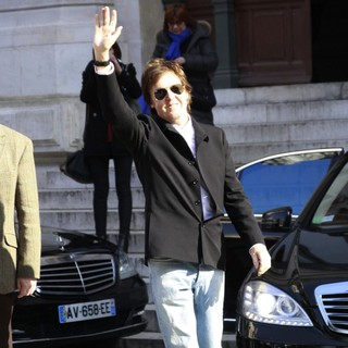 Paul McCartney in Paris Fashion Week - Autumn-Winter 2013 - Stella McCartney - Outside Arrivals