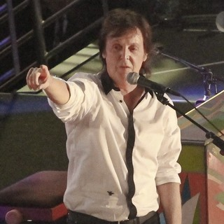 Sir Paul McCartney Performs on Hollywood Blvd for The Jimmy Kimmel Live!