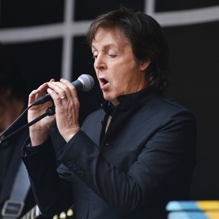 Paul McCartney in Paul McCartney Does A Popup Concert