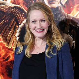 Paula Malcomson in Los Angeles Premiere of The Hunger Games: Mockingjay, Part 1 - Arrivals - paula-malcomson-premiere-mockingjay-part-1-01