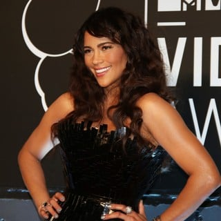 Paula Patton in 2013 MTV Video Music Awards - Arrivals - paula-patton-2013-mtv-video-music-awards-03