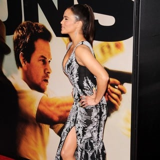 Paula Patton in World Premiere of 2 Guns - Arrivals