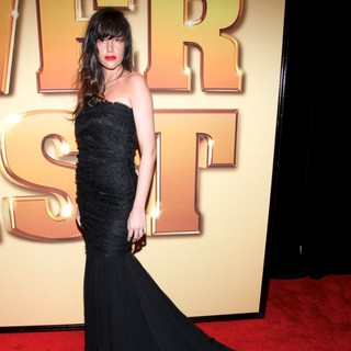 Paz de la Huerta in World Premiere of Tower Heist - Arrivals