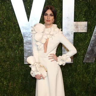Paz Vega in 2013 Vanity Fair Oscar Party - Arrivals - paz-vega-2013-vanity-fair-oscar-party-01