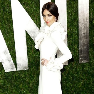 Paz Vega in 2013 Vanity Fair Oscar Party - Arrivals - paz-vega-2013-vanity-fair-oscar-party-03