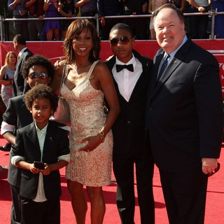 Holly Robinson Peete, Dennis Haskins in 2012 ESPY Awards - Red Carpet Arrivals