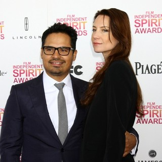 Michael Pena, Brie Shaffer in 2013 Film Independent Spirit Awards - Arrivals