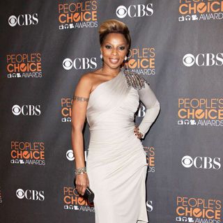 Mary J. Blige in People's Choice Awards 2010
