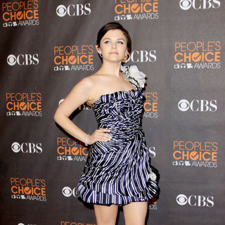 Ginnifer Goodwin in People's Choice Awards 2010