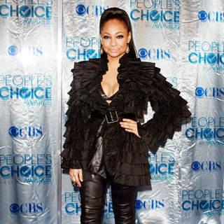 Raven-Symone in 2011 People's Choice Awards - Arrivals