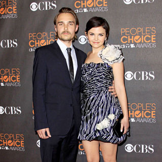 Joey Kern, Ginnifer Goodwin in People's Choice Awards 2010