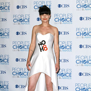 Pauley Perrette in 2011 People's Choice Awards - Press Room