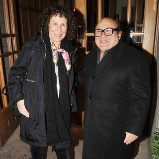 Rhea Perlman, Danny DeVito in Danny DeVito and Rhea Perlman Leave Their Hotel
