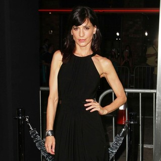 Perrey Reeves in Seven Psychopaths Los Angeles Premiere - Arrivals - perrey-reeves-premiere-seven-psychopaths-01