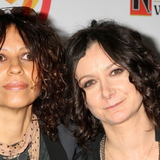 Linda Perry, Sara Gilbert in The 23rd Annual GLAAD Media Awards
