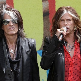 Joe Perry, Steven Tyler, Aerosmith in Aerosmith Announce Their New Global Warming Tour