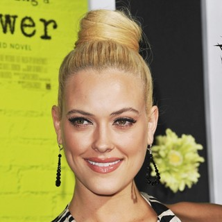 Peta Murgatroyd in The Los Angeles Premiere of The Perks of Being a Wallflower - Arrivals