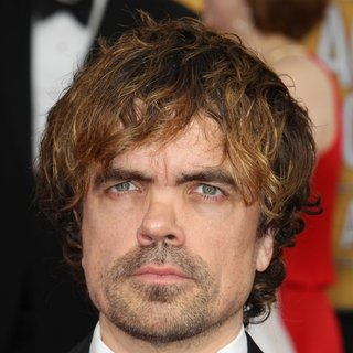 Peter Dinklage in The 20th Annual Screen Actors Guild Awards - Arrivals - peter-dinklage-20th-annual-screen-actors-guild-awards-01