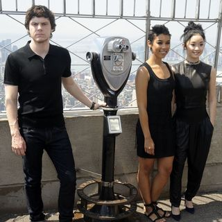 X-Men: Apocalypse Cast Visit The Empire State Building