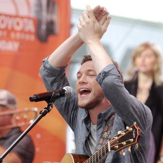 Phillip Phillips Performs Live on The Today Show as Part of The 2014 Summer Concert Series