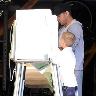 Ryan Phillippe, Deacon Phillippe in Ryan Phillippe at The Voting Booth