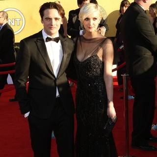 Vincent Piazza, Ashlee Simpson in The 18th Annual Screen Actors Guild Awards - Arrivals