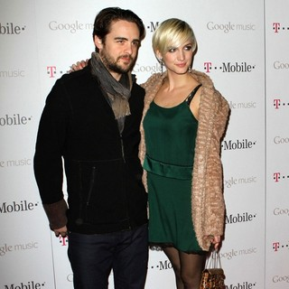 Vincent Piazza, Ashlee Simpson in Celebrity Magenta Carpet Arrivals at The Launch Party for Google Music Available on T-Mobile
