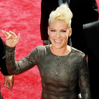 Pink in 2012 MTV Video Music Awards - Arrivals