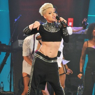 Pink Performing Live for The First Night of 2013 European Truth About Love Tour - pink-2013-european-truth-about-love-tour-06