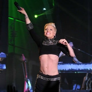 Pink in Pink Performing Live for The First Night of 2013 European Truth About Love Tour