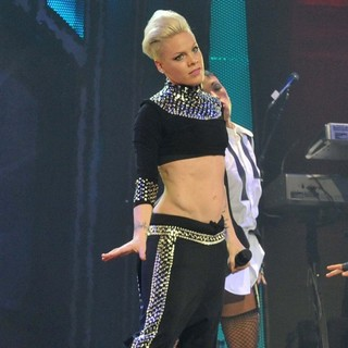 Pink Performing Live for The First Night of 2013 European Truth About Love Tour
