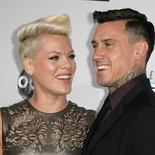 Pink, Carey Hart in The 40th Anniversary American Music Awards - Arrivals