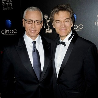 Dr. Drew Pinsky, Dr. Mehmet Oz in The 40th Annual Daytime Emmy Awards - Arrivals