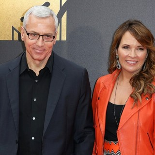 Dr. Drew Pinsky, Susan Sailer in 2016 MTV Movie Awards - Arrivals
