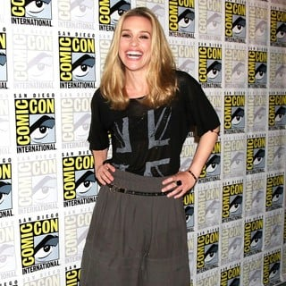 Piper Perabo in 2011 Comic Con Convention - Day 1 - Arrivals