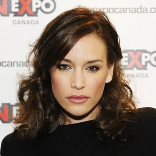 Piper Perabo in Day 4 of Fan Expo Canada 2013