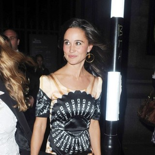 Pippa Middleton in London Fashion Week Spring-Summer 2012 - Temperley - Outside