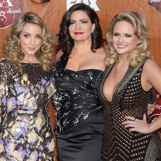 Pistol Annies in 2011 American Country Awards - Arrivals - pistol-annies-2011-american-country-awards-04