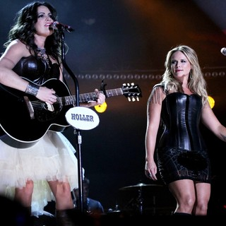 2012 CMA Music Festival Performances - Day 1