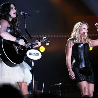 Pistol Annies in 2012 CMA Music Festival Performances - Day 1 - pistol-annies-2012cma-music-festival-performances-day-1-02