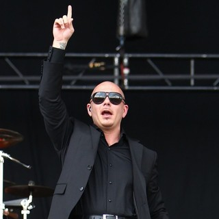 Pitbull - Barclaycard Wireless Festival 2012 - Day 3